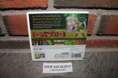 The Legend of Zelda: A Link Between Worlds (back cover)