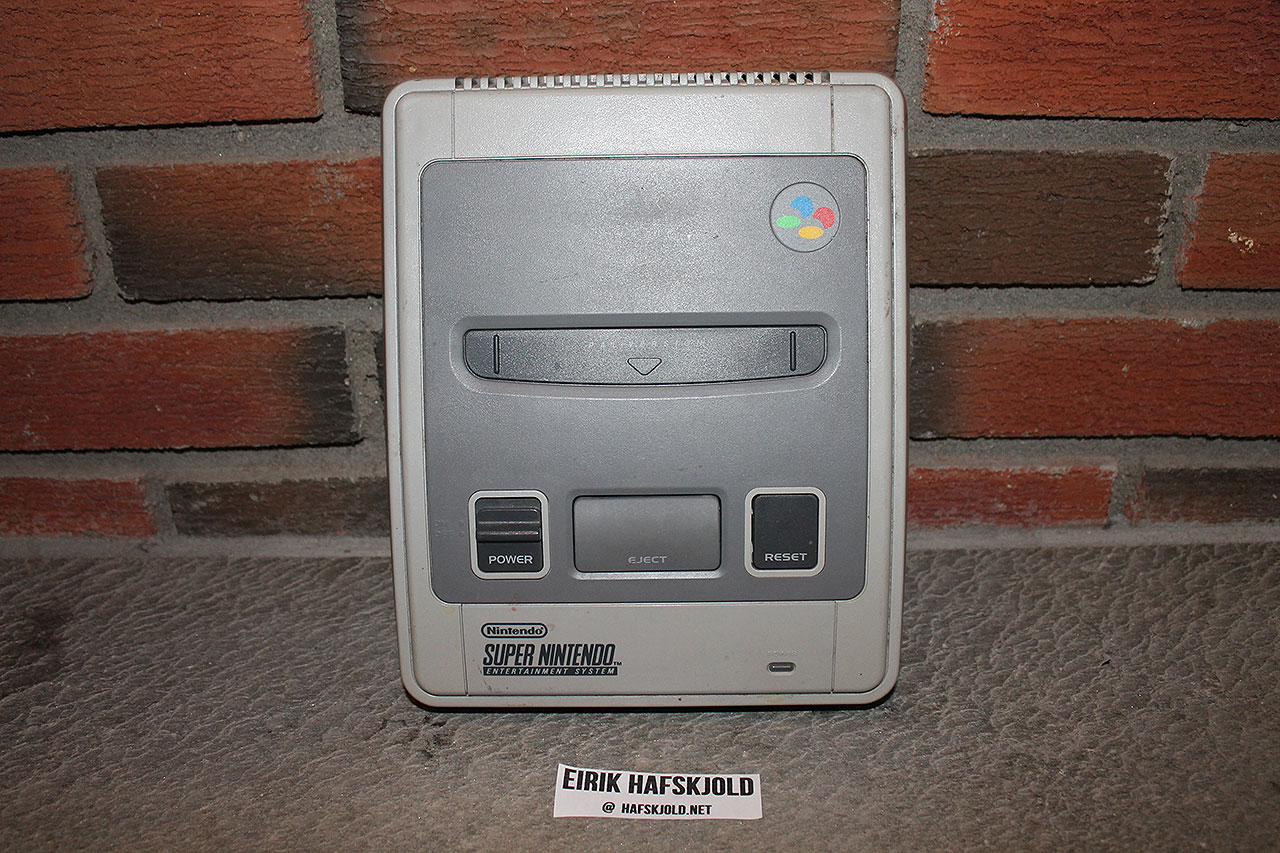 Super Nintendo (top)